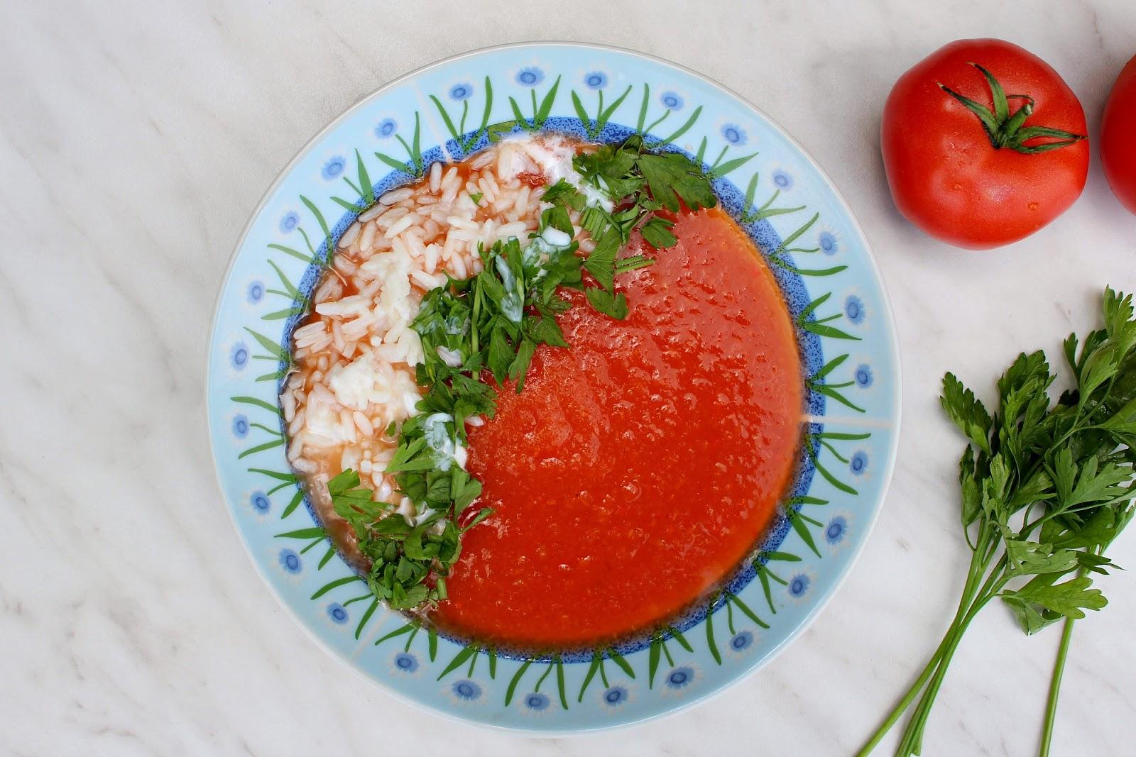 pomidorowa-ze-swiezych-pomidorow