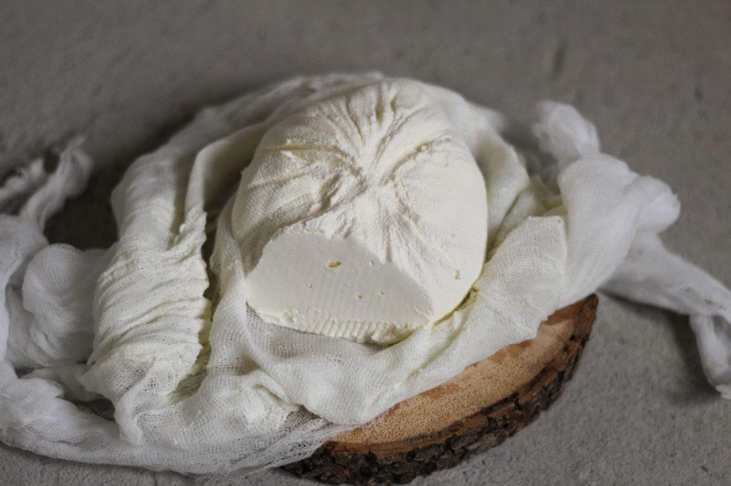 jak zrobić ser z jogurtu